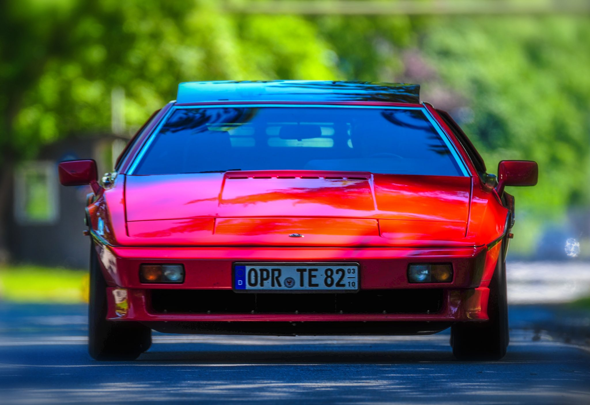 Lotus Esprit Turbo HC –– kultig, kantig, mag aber nicht jeder!